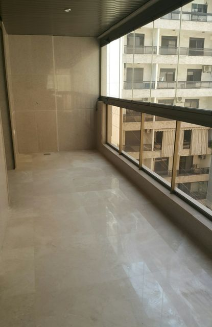 Apartment to rent in Ain El Mreiseh