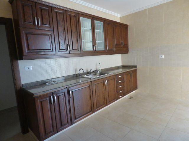 Apartment to rent in Ain El Mreiseh